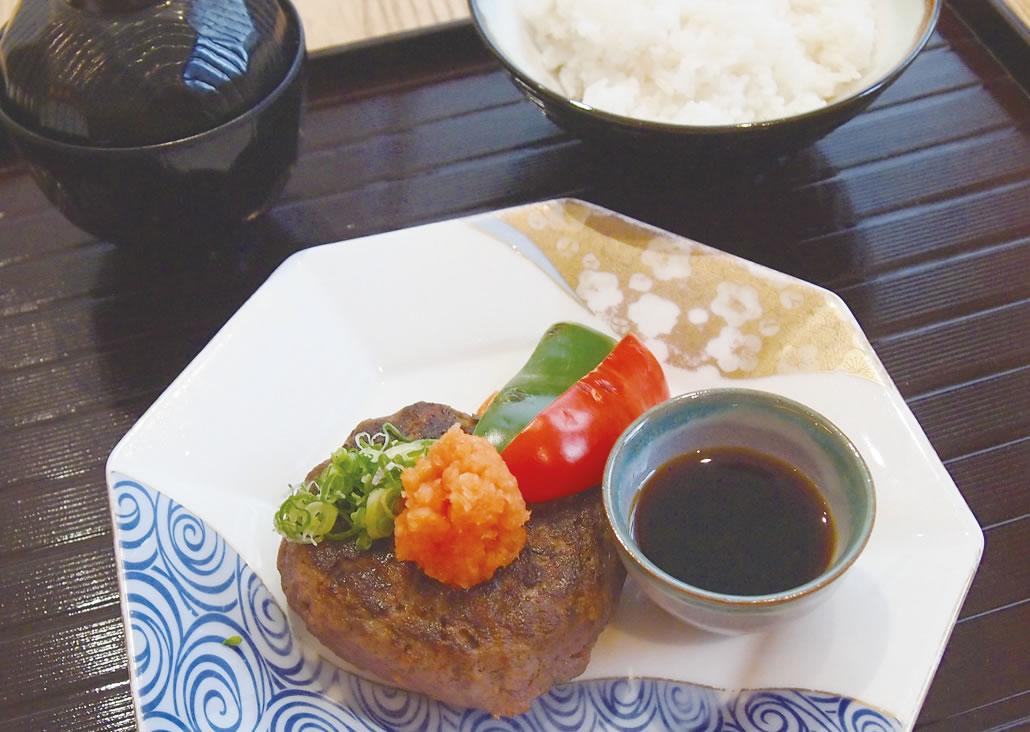 和風ハンバーグセットRM39++)お肉自体がおいしいから、冷めてもグッド