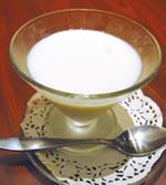 牛乳プリンのようなミルキーで甘い「杏仁豆腐」RM7。