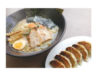 広島瀬戸内塩らーめん(RM30)、餃子(RM12)、らーめんは店長おすすめなだけあり、おいしくてボリューミー。