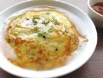 あっさりとしたあんがたまらない、何度も食べたくなる塩天津丼(RM18)。