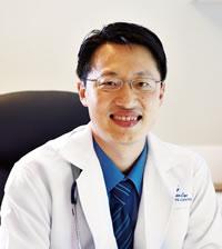 チン クェン ロォン医師 MBBS(Aust.), MRCP(UK), MRCPE, Fellowship in Gastroenterology (Mal.)