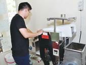 製麺機で毎日作っている麺は、1日ねかして翌日調理。替え玉はRM2.80。