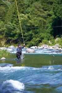 82EN-渓流釣り