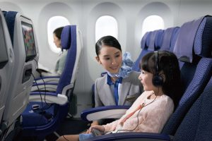 Lady-Cabin-Crew-with-Little-Girl